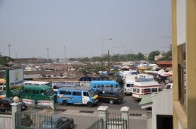 1-Accra-taxi-and-bus